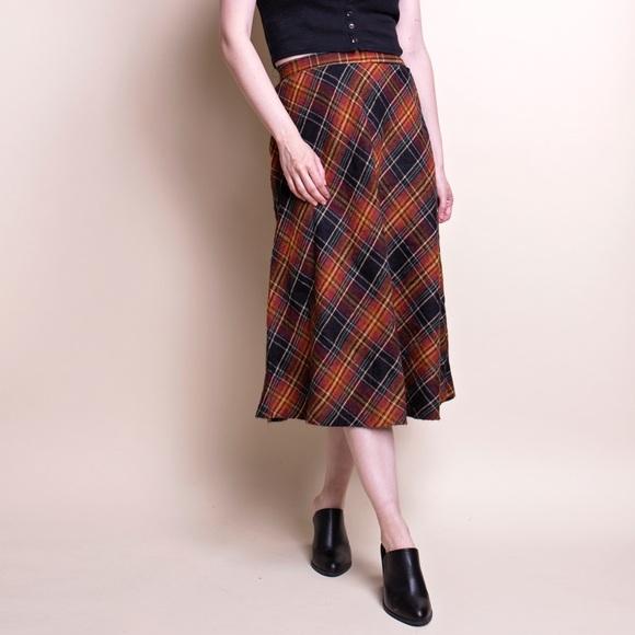 eb98ebe25 Vintage 70s tartan plaid wool midi skirt. M_5b16e3f0f63eea09e30b0894